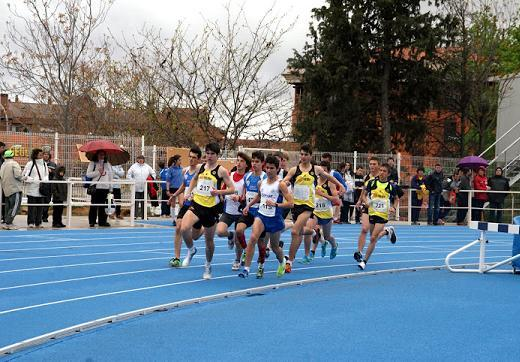 800ml juvenil - Cto Atletismo Provincial Toledo 2012 (Foto CASanIldefonso)